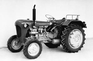 traktor  C-325